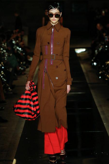 Givenchy - модные плащи весна/лето 2017