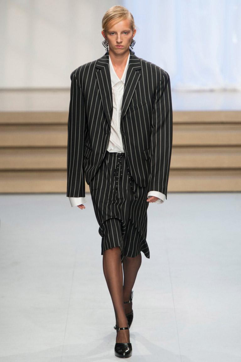 Jil Sander - Модные женские костюмы сезона весна/лето 2017