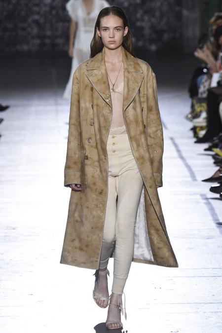 John Galliano - модные плащи весна/лето 2017