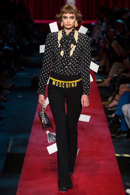 Moschino - Модные женские брюки весна/лето 2017, тенденции