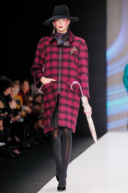 Slava Zaitsev - модные женские пальто весна/лето 2017