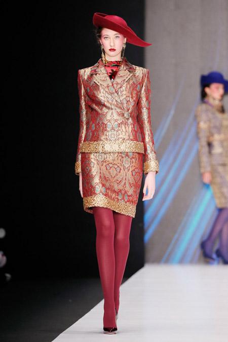 Slava Zaitsev - Модные женские костюмы сезона весна/лето 2017