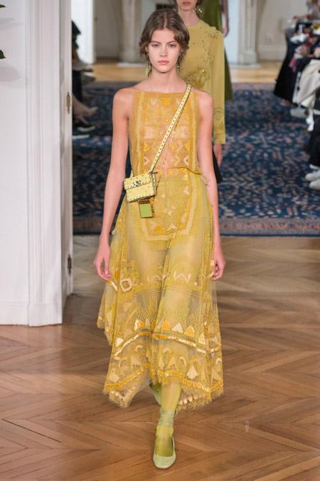 Valentino - модные вечерние платья сезона весна/лето 2017