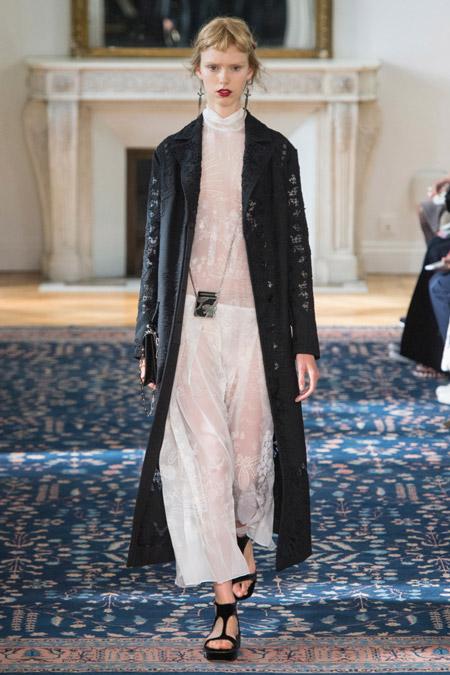 Valentino - модные женские пальто весна/лето 2017