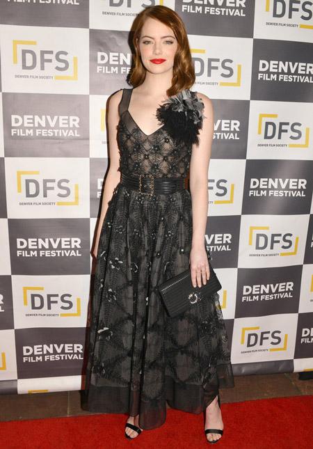 Эмма Стоун в платье от Chanel, Денвер 2016