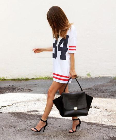 Девушка в черных босоножках фото 769-301