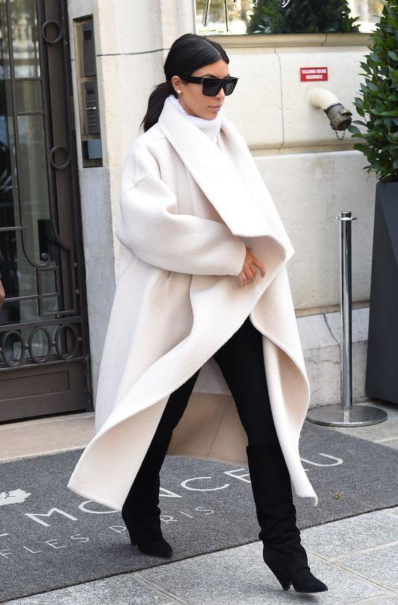 kim-kardashyan-v-svetlom-palto