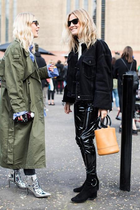 Девушка в лакированых штанах и черной джинсовке оверсайз, фото Sandra Semburg