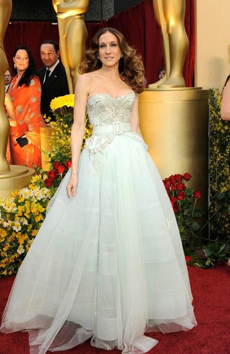 Сара Джессика Паркер в белом платье с пышной юбкой