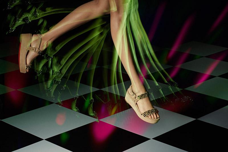 svetlyie-sandalii-lubuten