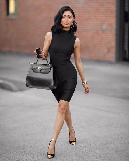 Девушка с деловой сумкой