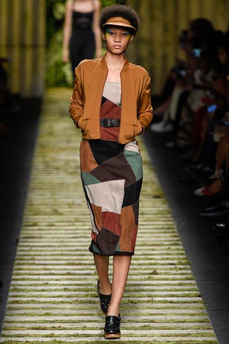 Модное платье футляр из весенне/летней коллекции Max Mara 2017 г.