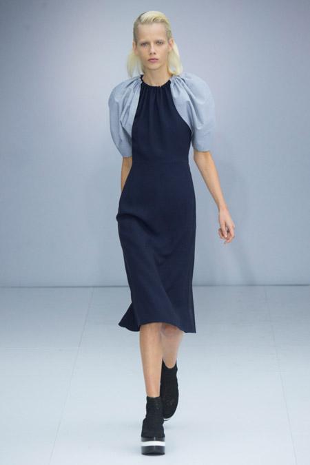 Модное платье футляр из весенне/летней коллекции Salvatore Ferragamo 2017 г.