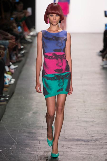 Модное платье футляр из весенне/летней коллекции Jeremy Scott 2017 г.