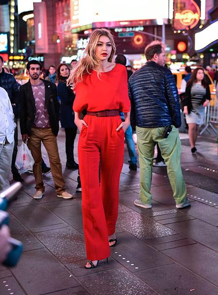 На съемках рекламного ролика Maybelline в Нью-Йорке, май 2015