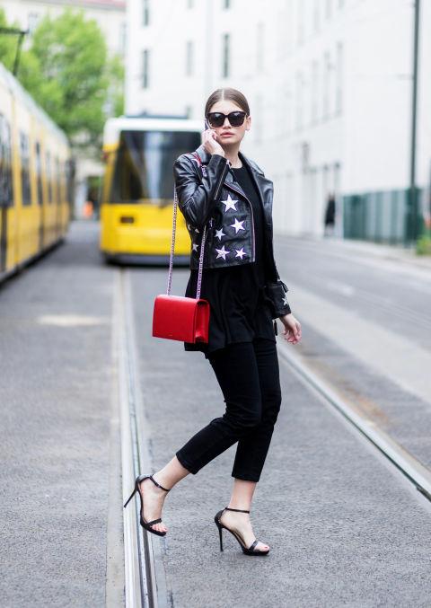 Используйте кожаную куртку и для официальных встреч - отличная замена классическому пиджаку