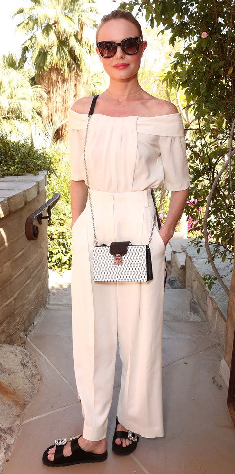 Кейт Босуорт в кремовых брюках и топе