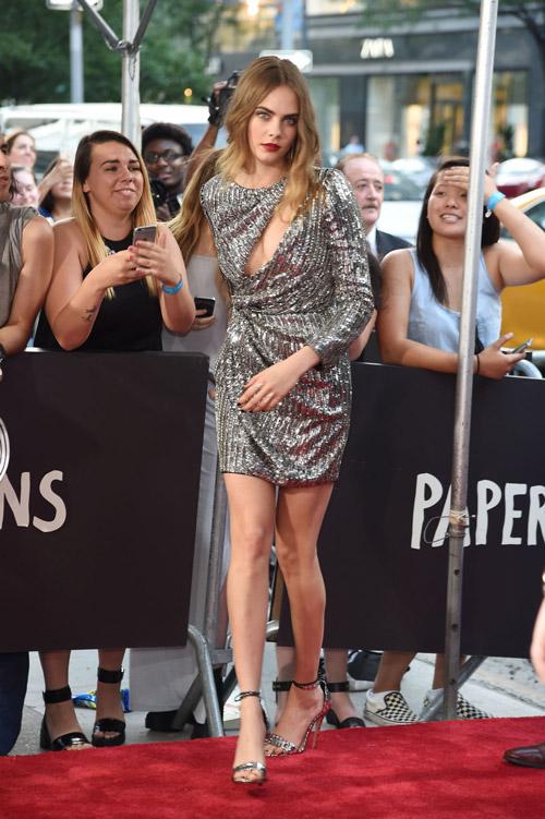 """На премьере фильма """"Бумажные города"""" в платье от Saint Laurent, 21 июля 2015 Нью-Йорк"""