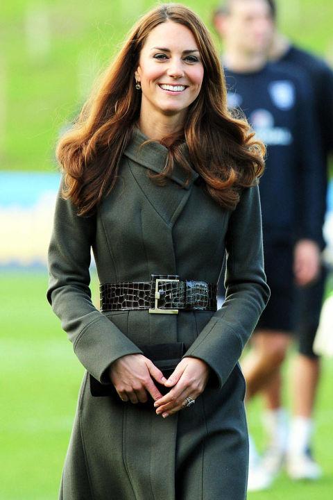 В пальто оливкового цвета от Reiss, октябрь 2012