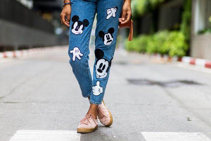 Любишь микки-мауса или единорогов? Решай сама как украсить джинсы