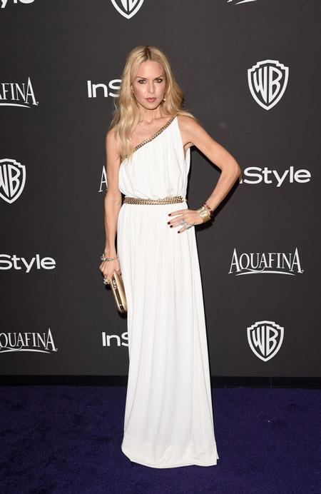 Рейчел Зои в белом платье