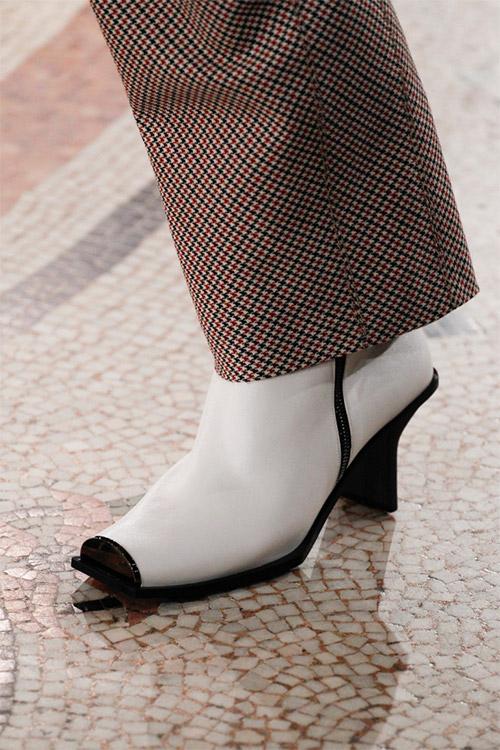 Модная обувь от Stella McCartney из коллекции осень 2017 / зима 2018