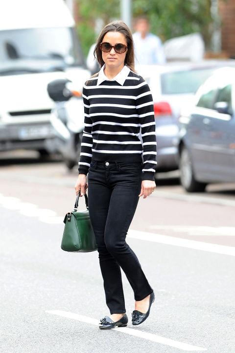 Пиппа Миддлтон в джинсах и полосатом свитшоте