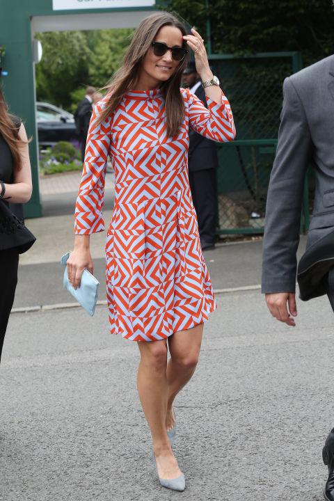 Пиппа Миддлтон в платье с длинным рукавом