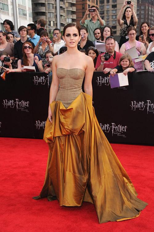 """На премьере фильма """"Гарри Поттер и Дары Смерти. Часть 2"""" в платье от Bottega Veneta в Нью-Йорке, июль 2011"""