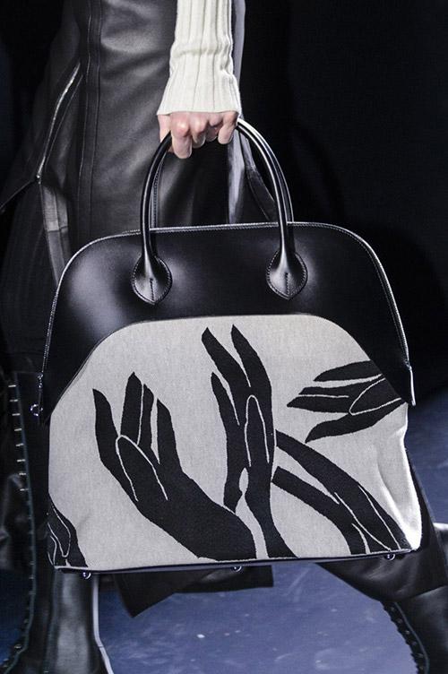 Большая сумка с принтом от hermes сезон осень 2017 - зима 2018