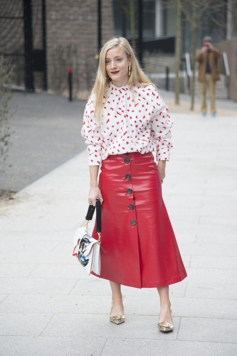 Если у вас узкие бедра, просто носите яркие юбки!