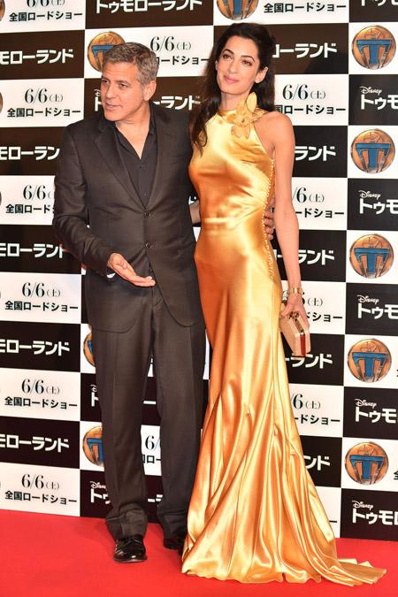 """Амаль Клуни на премьере фильма """"Земля будущего"""" в Токио май 2015"""