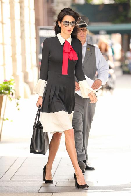 Амаль Клуни в делом платье от Gucci, Нью-Йорк сентябрь 2016
