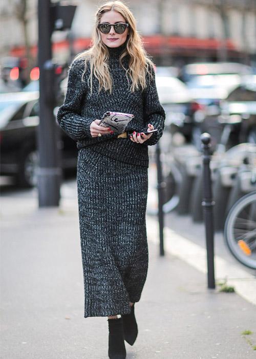 Уютный и шикарны образ - серая макси юбка и свитер