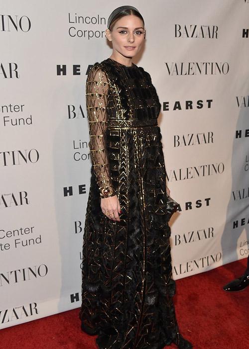 В изысканном платье от Valentino