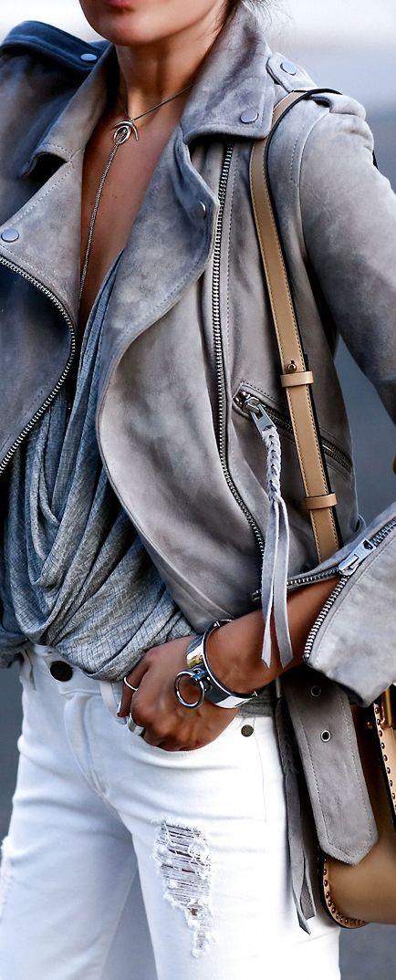 Куртка с заклепками и декольте