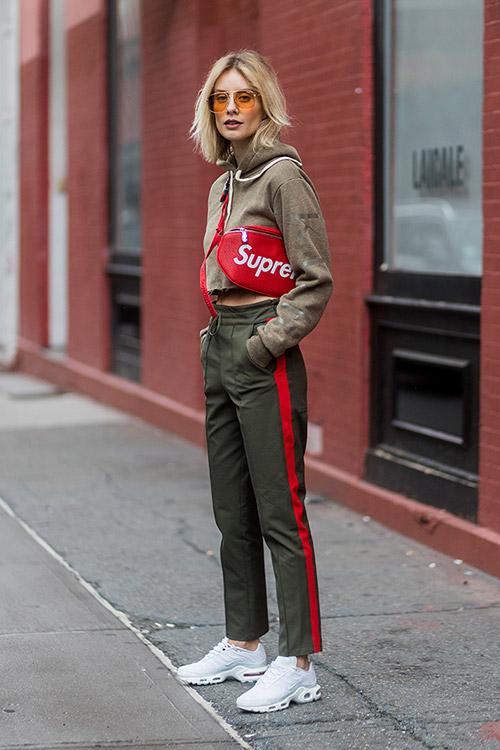 Уличная мода Нью-Йорка во время показов весна/лето 2018 - фото 20