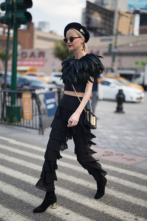 Уличная мода Нью-Йорка во время показов весна/лето 2018 - фото 35