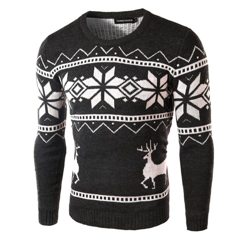 Черный свитер с принтом снежинок и оленя