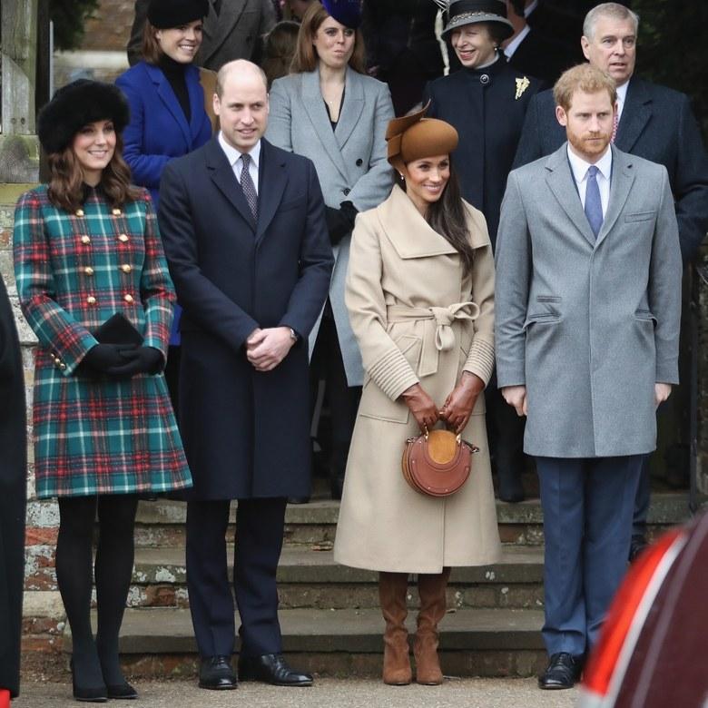Кейт Миддлтон,Меган Маркл, принц Гарри и Чарльз на рождественской церемонии 2017г