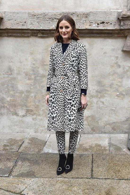 Оливия Пелермо в леопардовом плаще и узких брюках, черные туфли