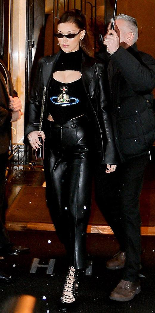 Белла Хадид в кожаных брюках, топ и кожаная куртка