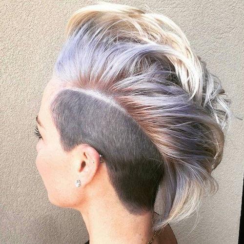 Пикси с выбритыми боками для густых волос