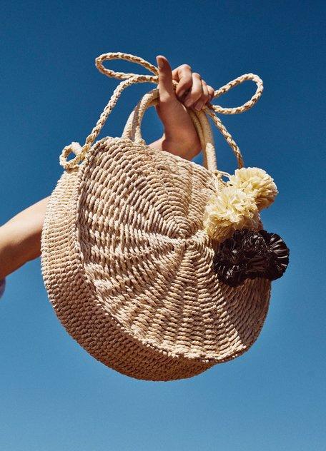 Соломенная сумка в стиле бохо