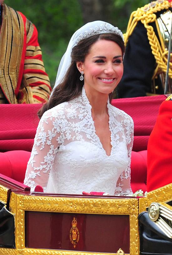 Кейт Миддлтон в свадебном платье и тиаре