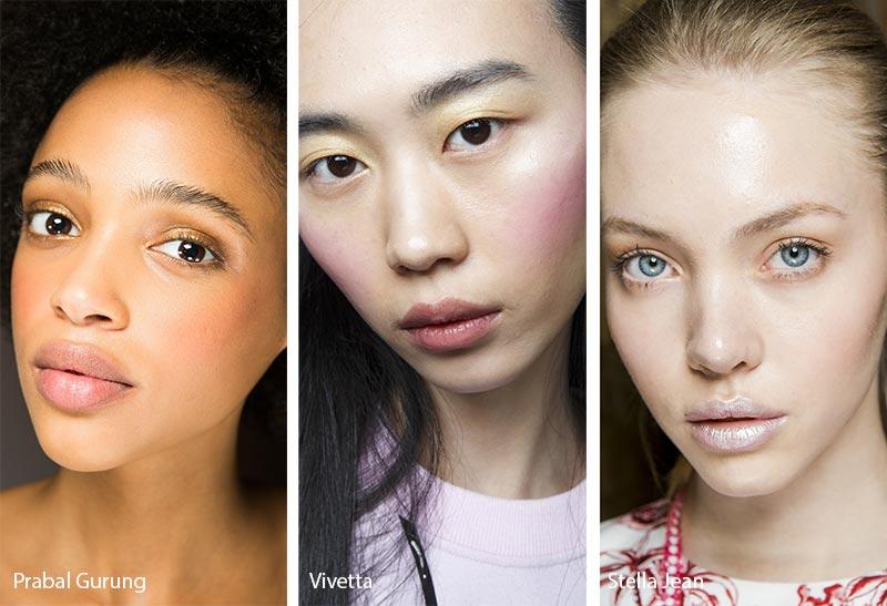 Модели с макияжем с персиковой пудрой