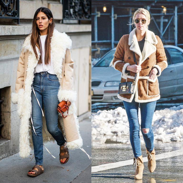 Девушки в синих джинсах скинни и коричневых дубленках