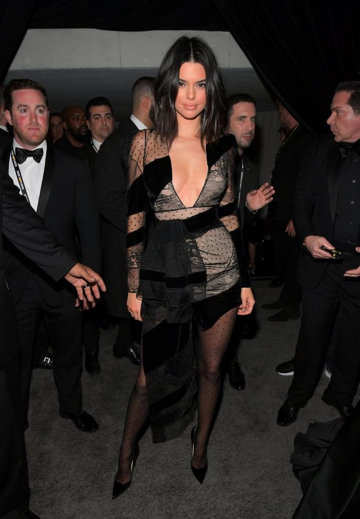 Кендалл Дженнер в черном мини платье