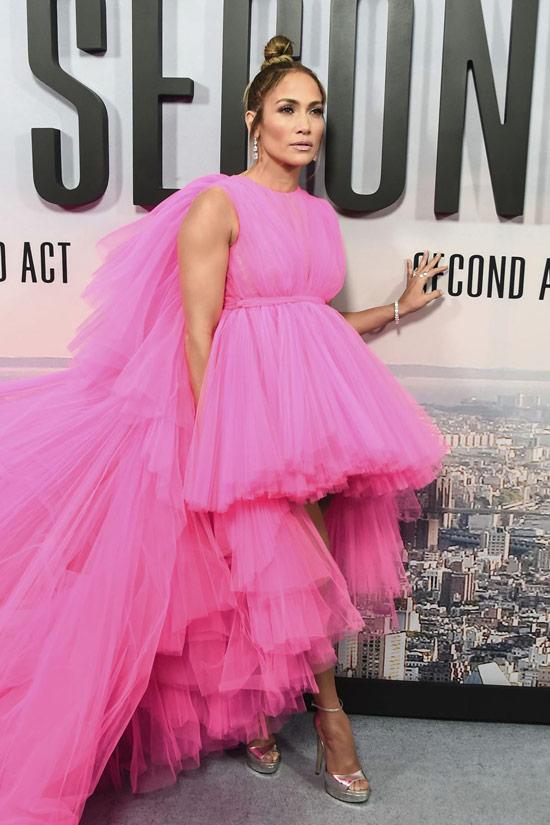 Дженнифер Лопес в пышном розовом платье