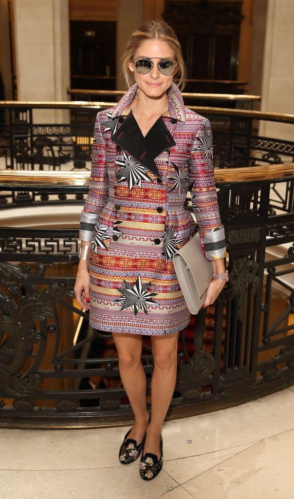 Оливия Палермо в красивом платье мини с узорами